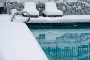 pool frozen